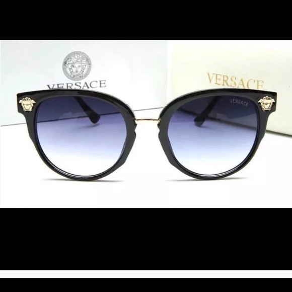 d067664ade7 Gorgeous Versace sunglasses black frames NWT SALE!